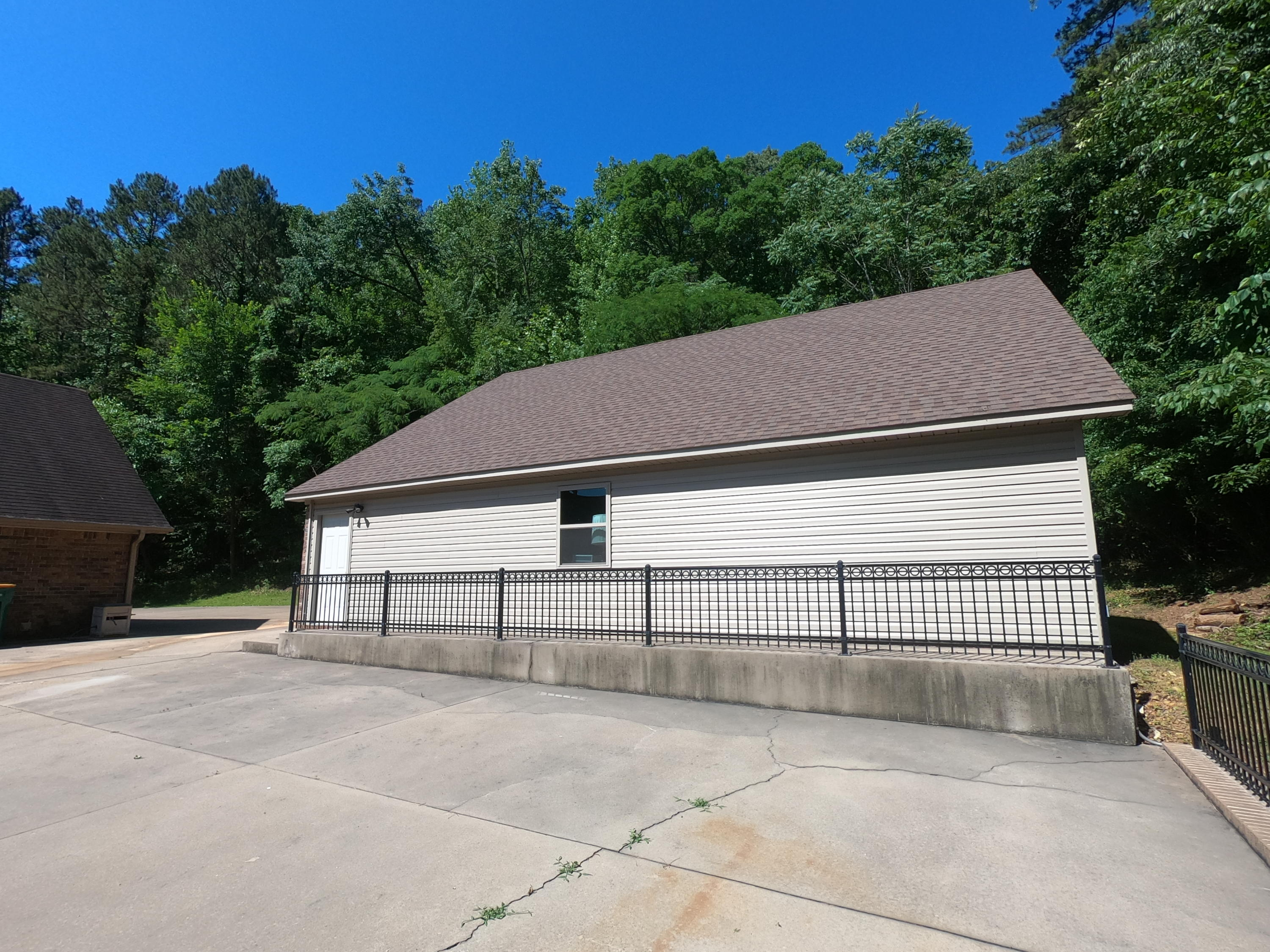 Large photo 72 of home for sale at 208 Craigwood Circle, Russellville, AR