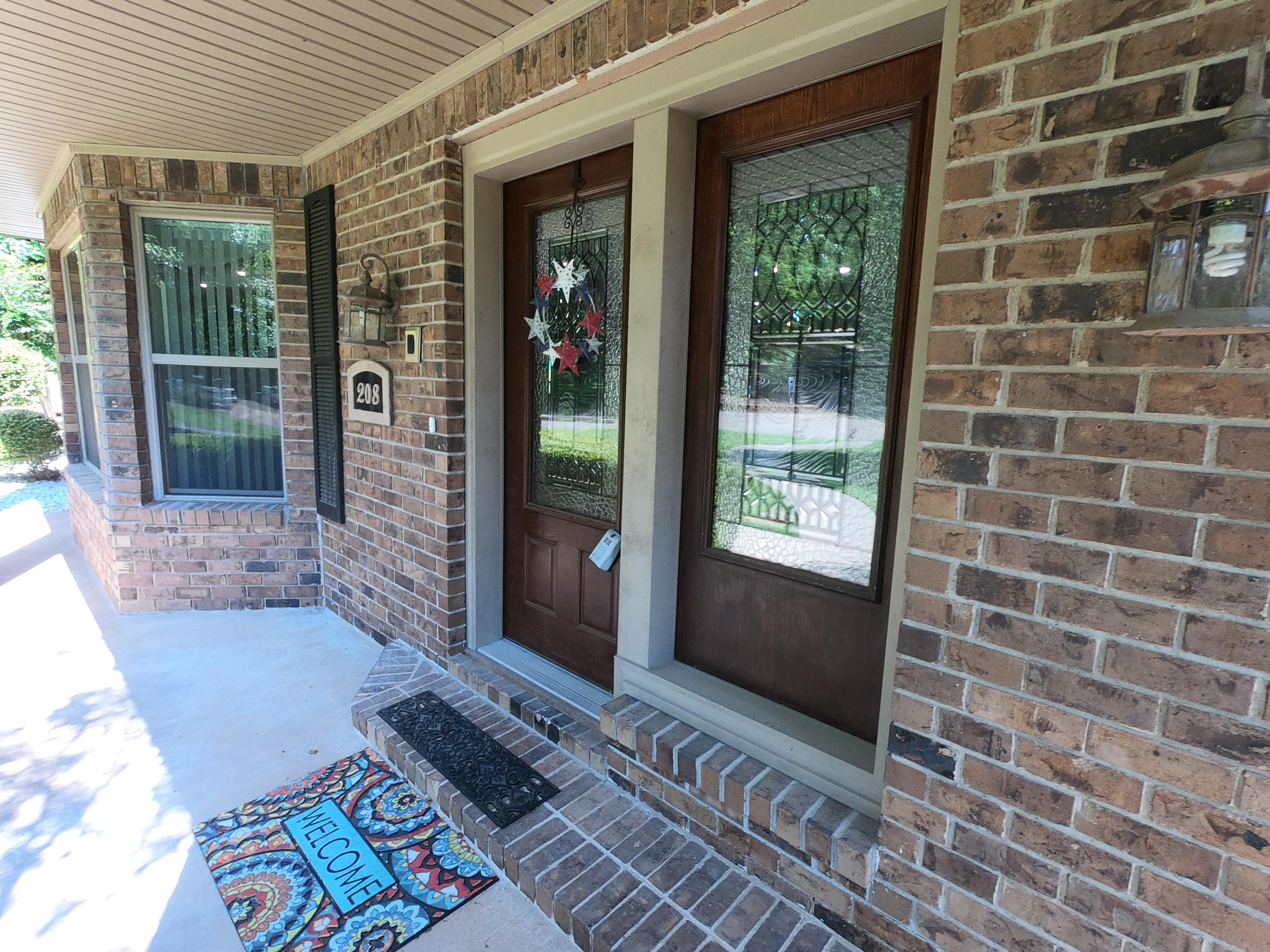 Large photo 6 of home for sale at 208 Craigwood Circle, Russellville, AR