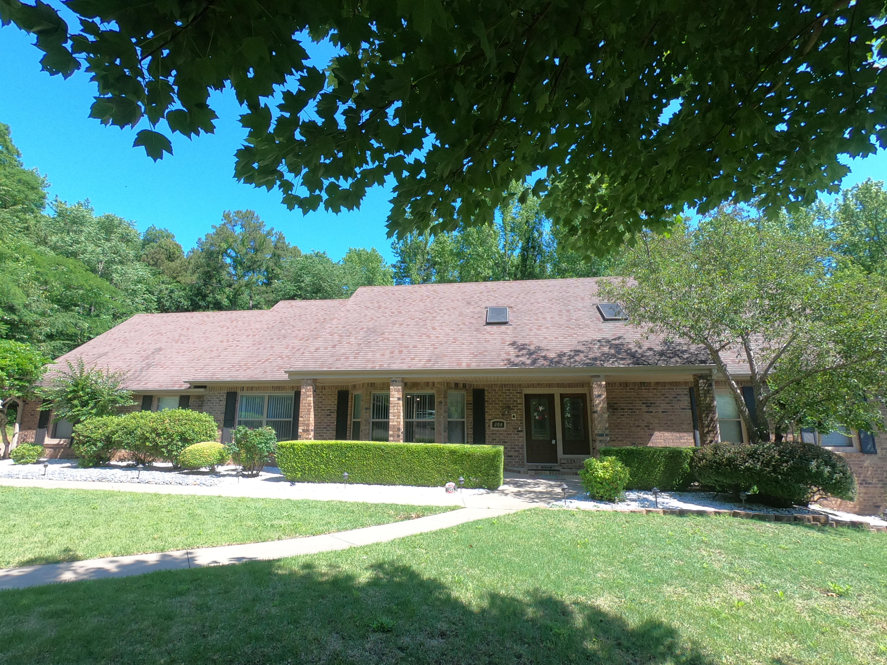Large photo 1 of home for sale at 208 Craigwood Circle, Russellville, AR