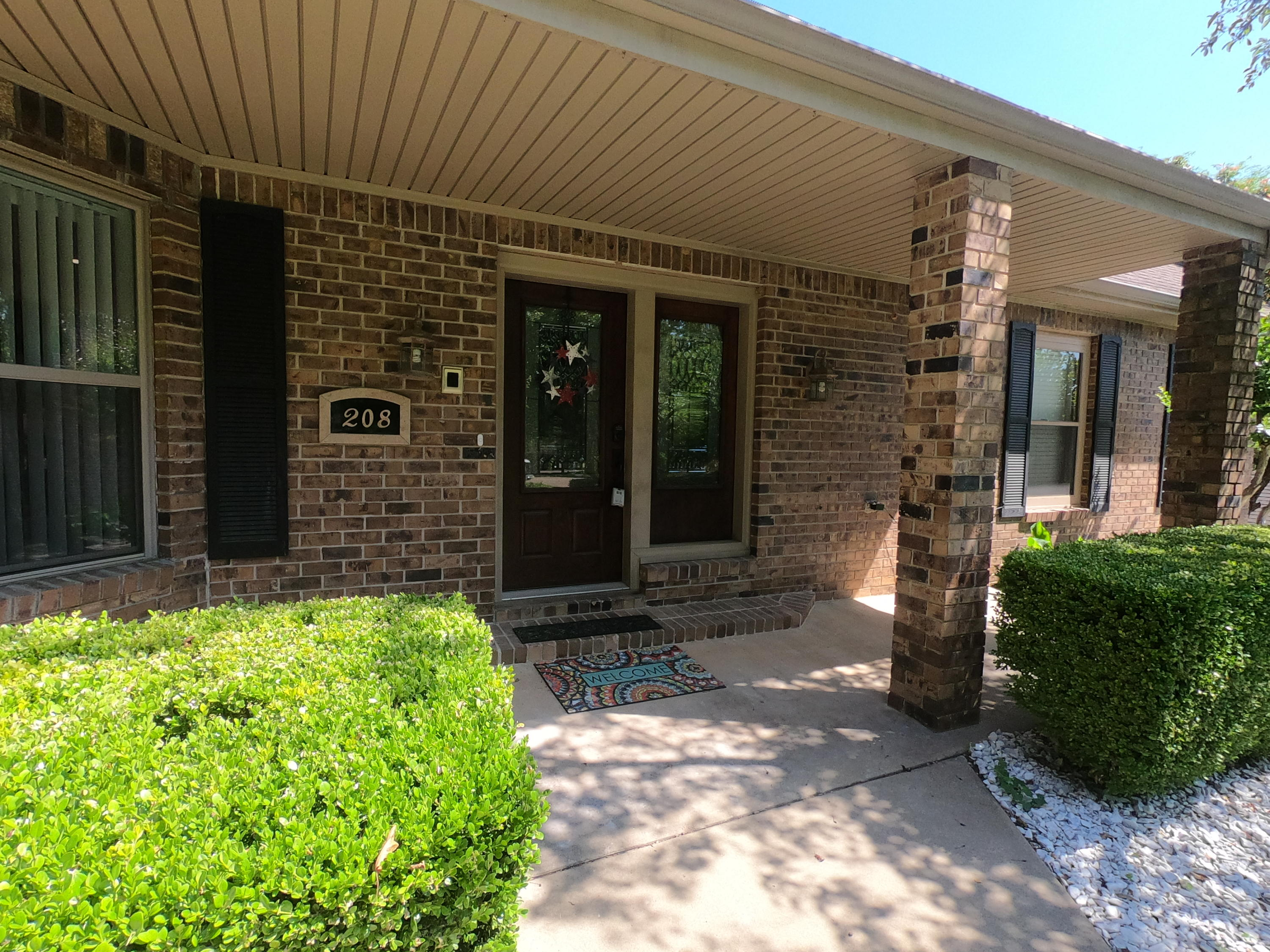 Large photo 5 of home for sale at 208 Craigwood Circle, Russellville, AR