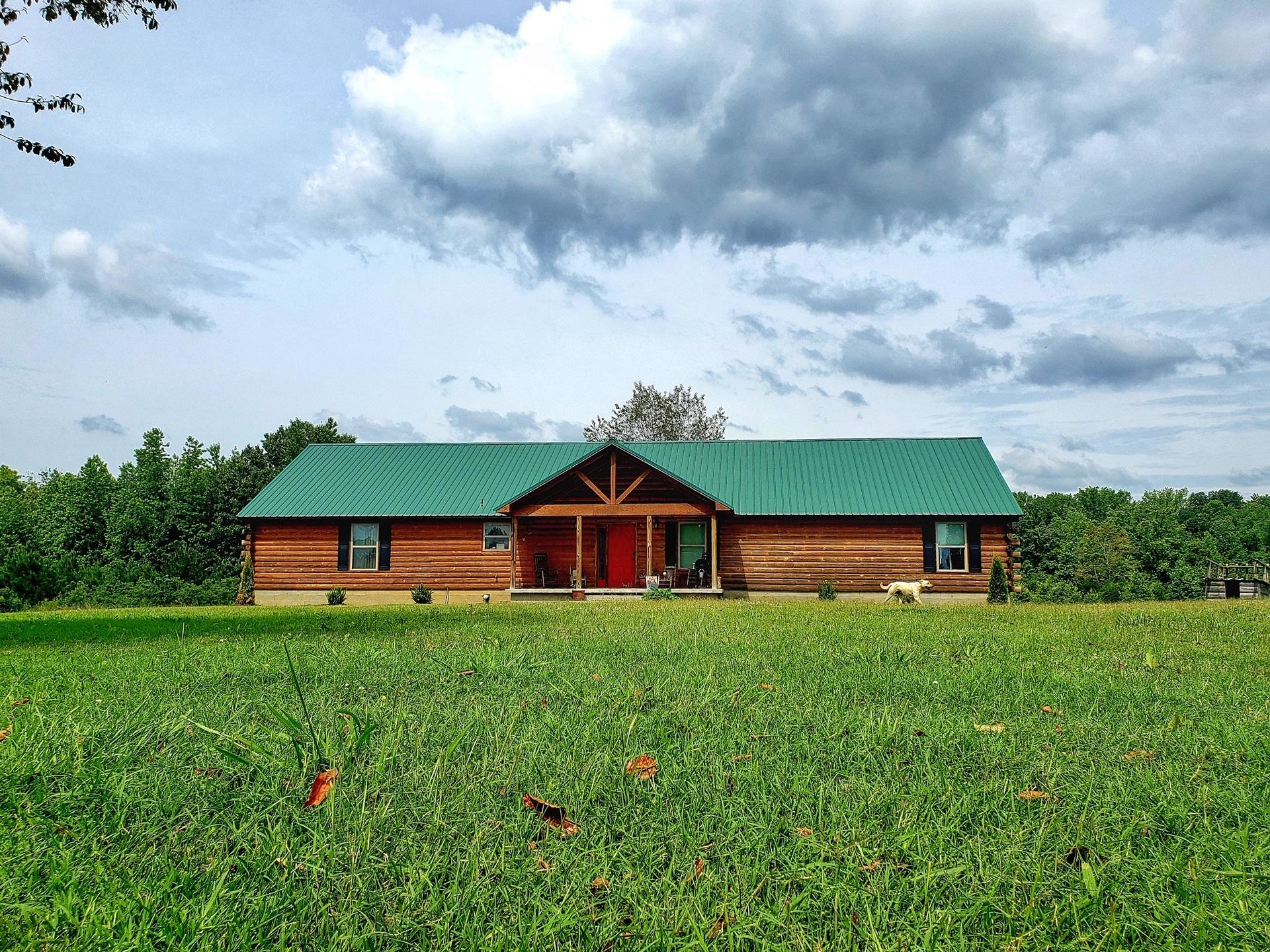 Large photo 8 of home for sale at 12577 Dale Bend Road, Danville, AR