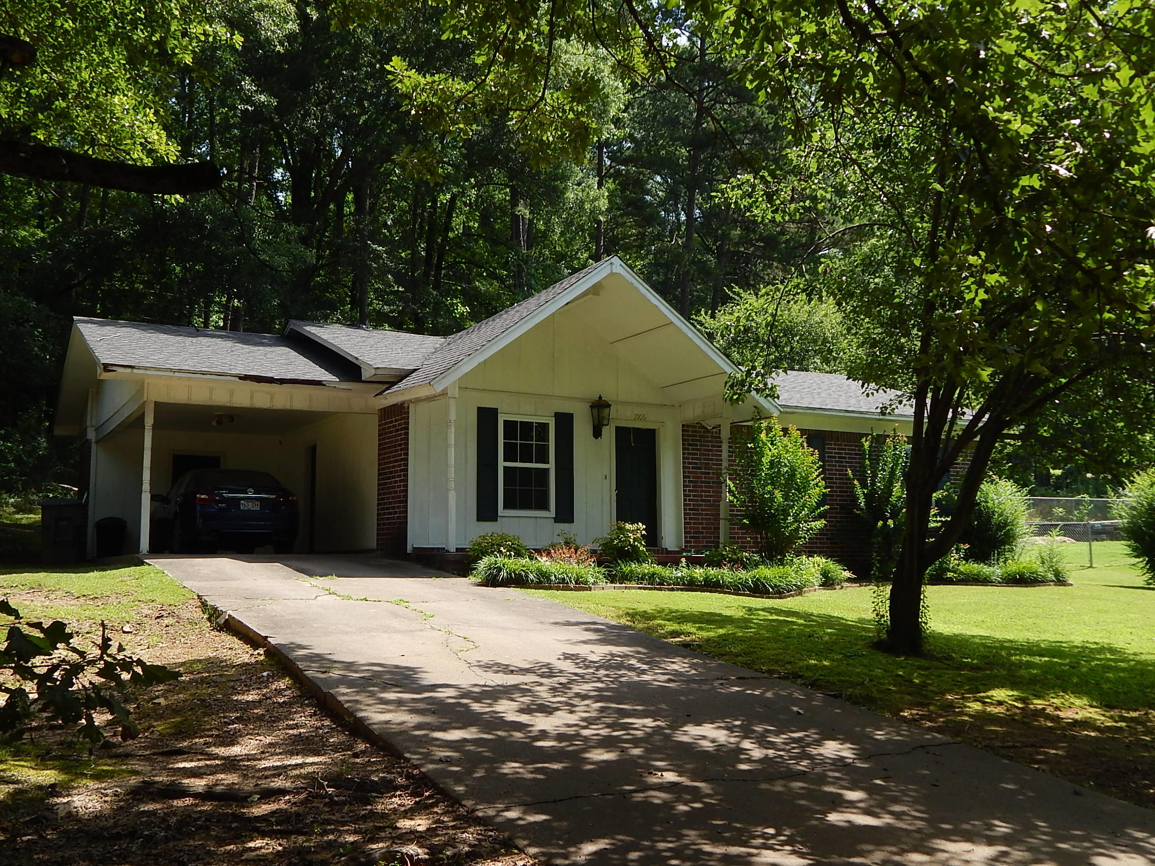 Large photo 1 of home for sale at 2106 Center Street, Dardanelle, AR