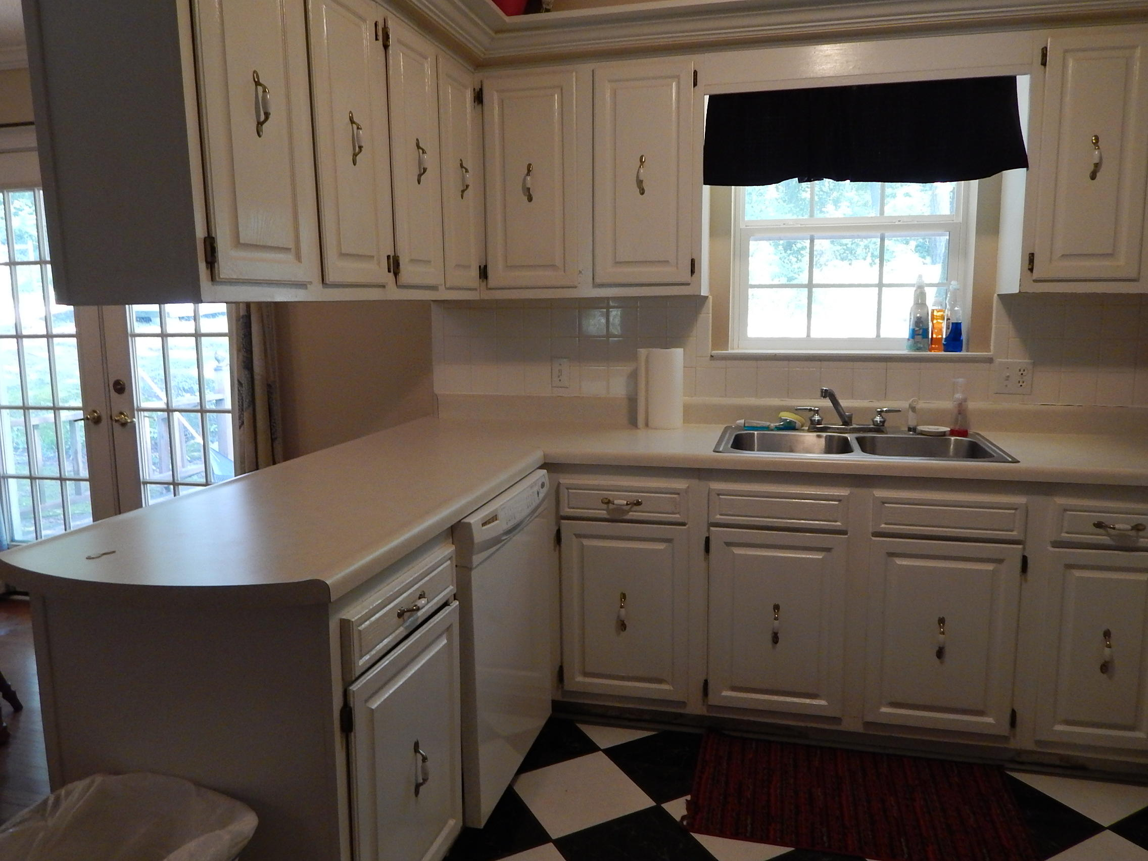 Large photo 8 of home for sale at 2106 Center Street, Dardanelle, AR