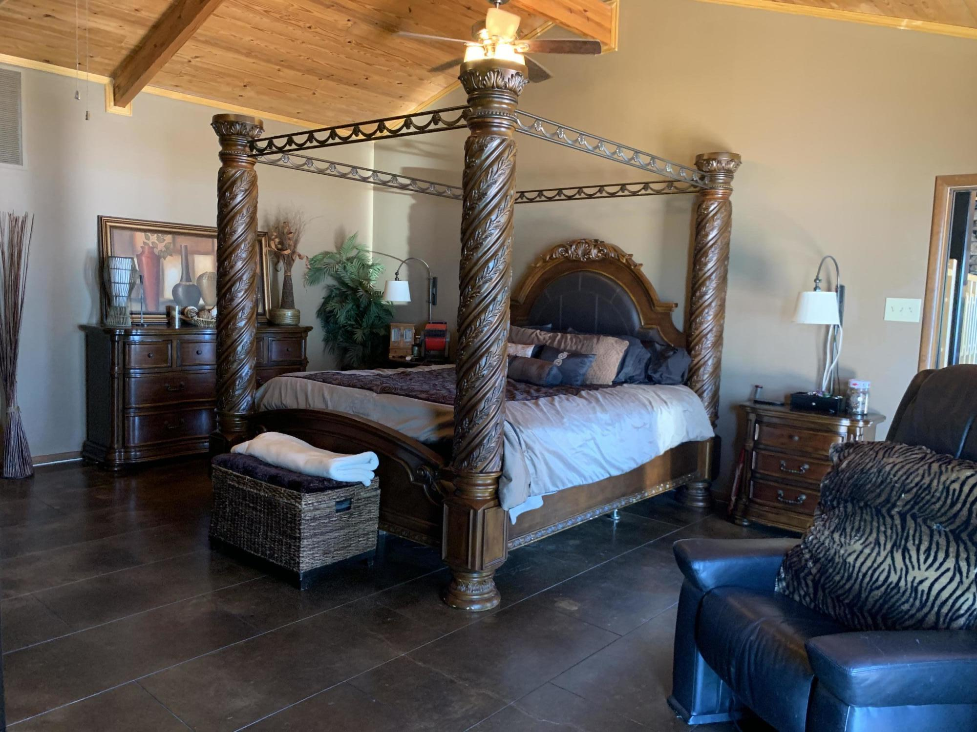 Large photo 22 of home for sale at 567 Round Mountain Road, London, AR