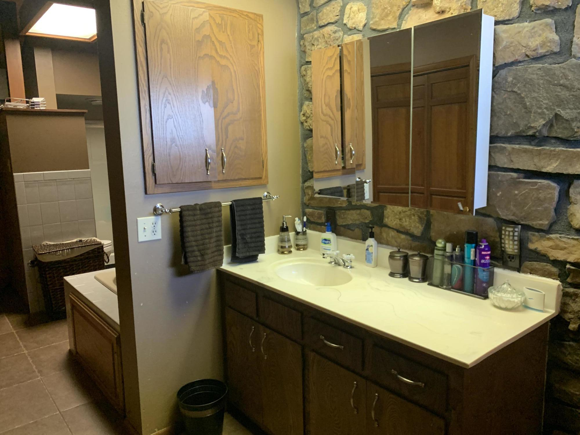 Large photo 26 of home for sale at 567 Round Mountain Road, London, AR