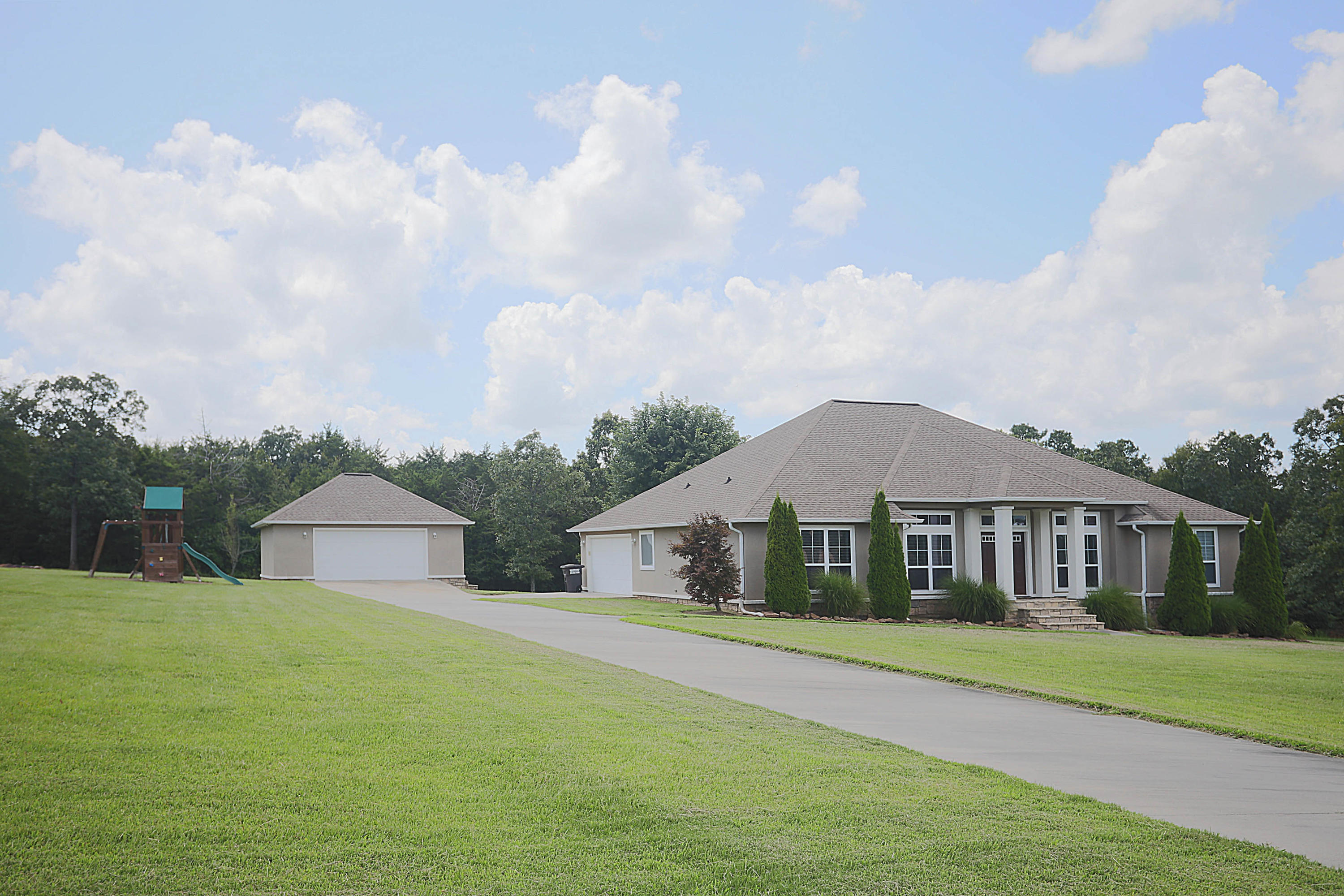 Large photo 2 of home for sale at 50 Piney Point Court, Pottsville, AR