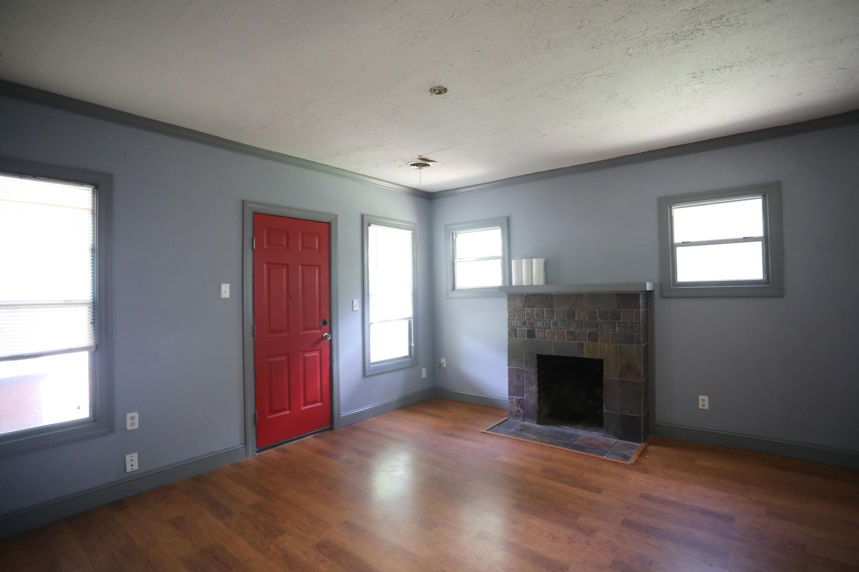 Large photo 4 of home for sale at 205 K Street, Russellville, AR