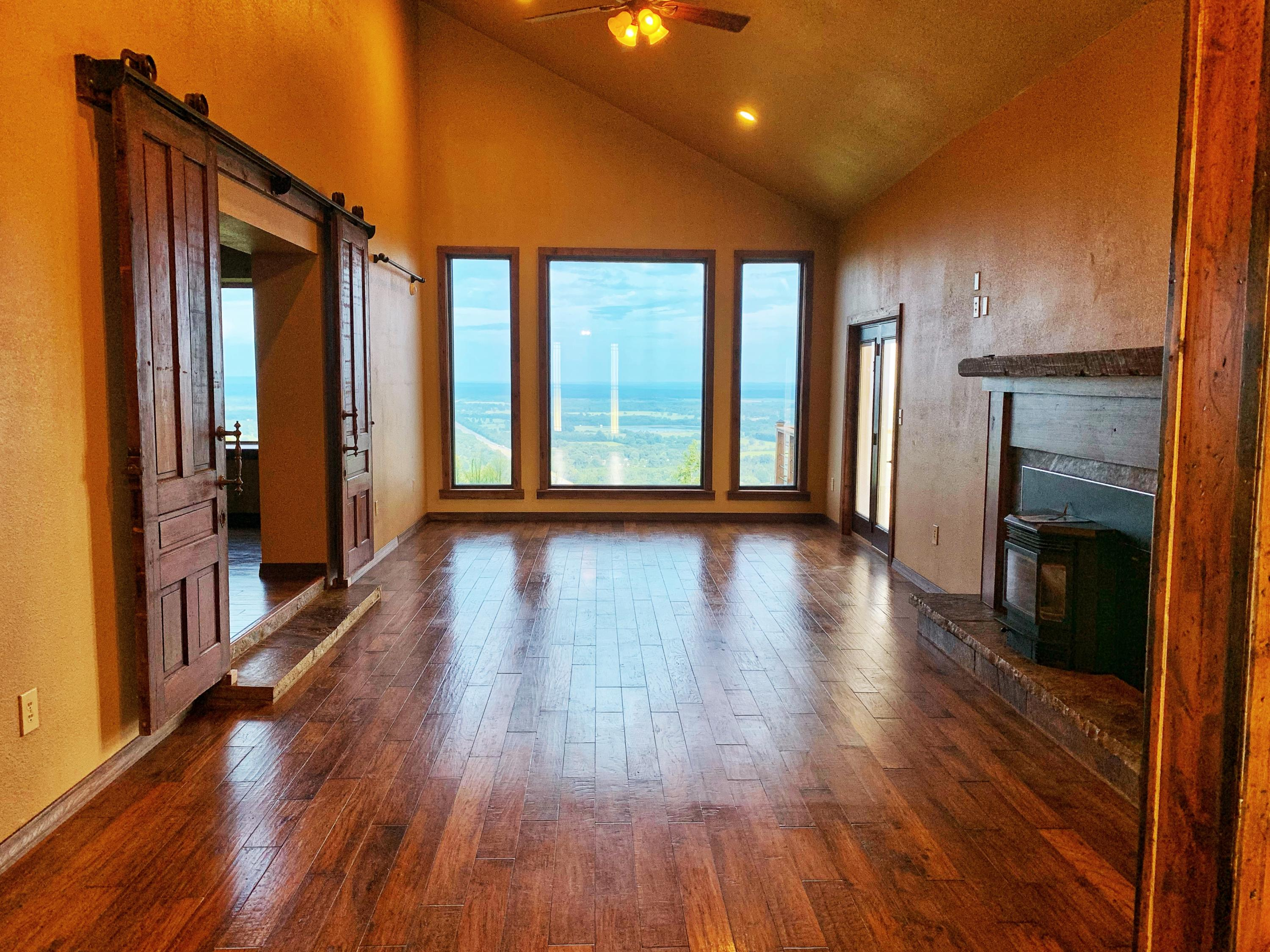 Large photo 6 of home for sale at 3975 Hudson Road, Russellville, AR