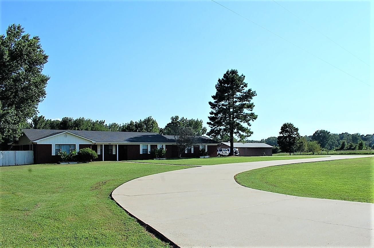 Large photo 1 of home for sale at 753 Hutcherson Road, Russellville, AR