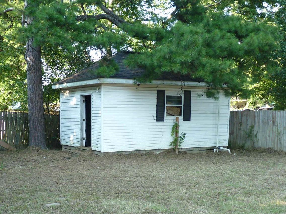 Large photo 14 of home for sale at 905 9th Street, Russellville, AR