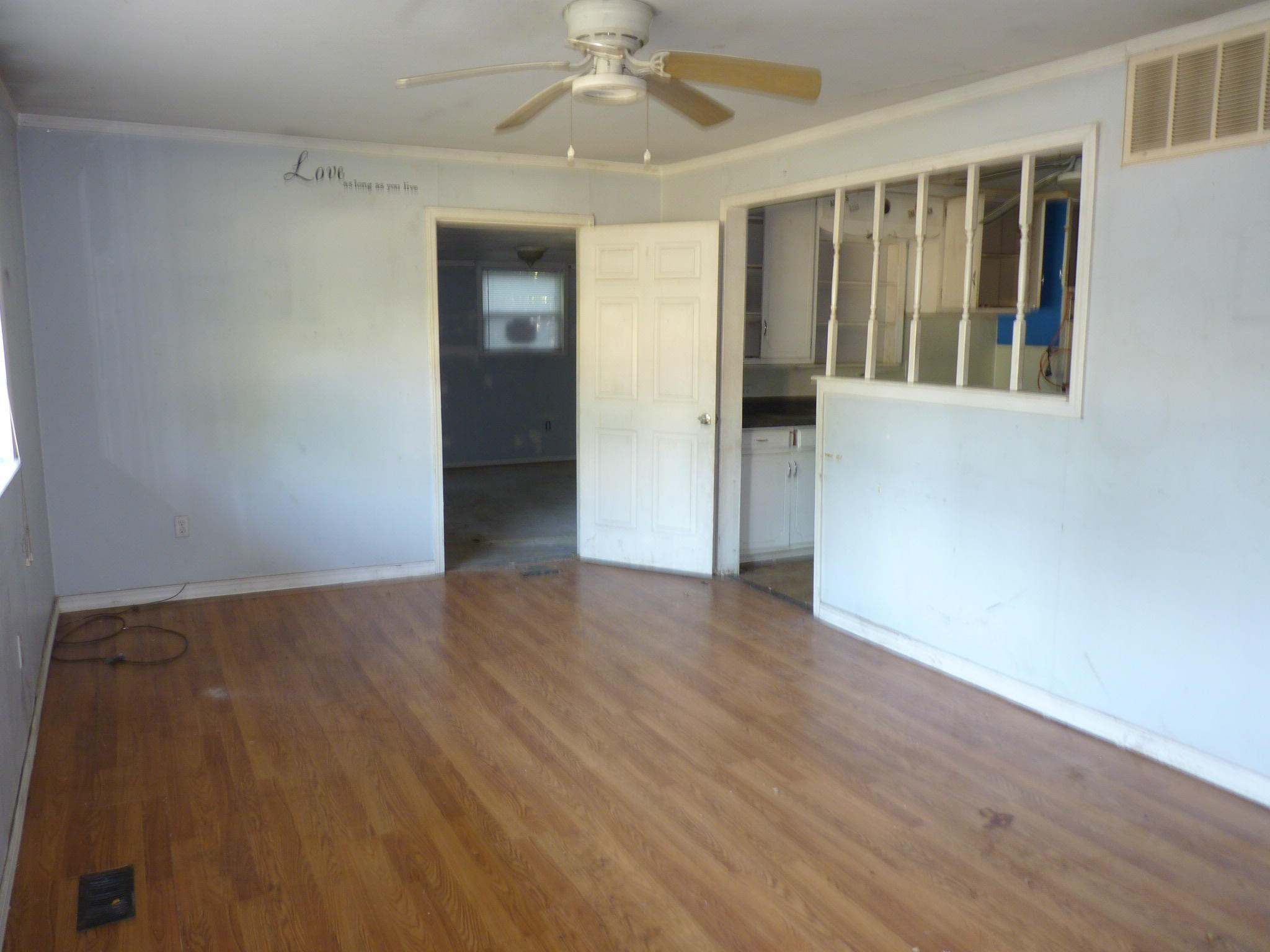Large photo 5 of home for sale at 905 9th Street, Russellville, AR