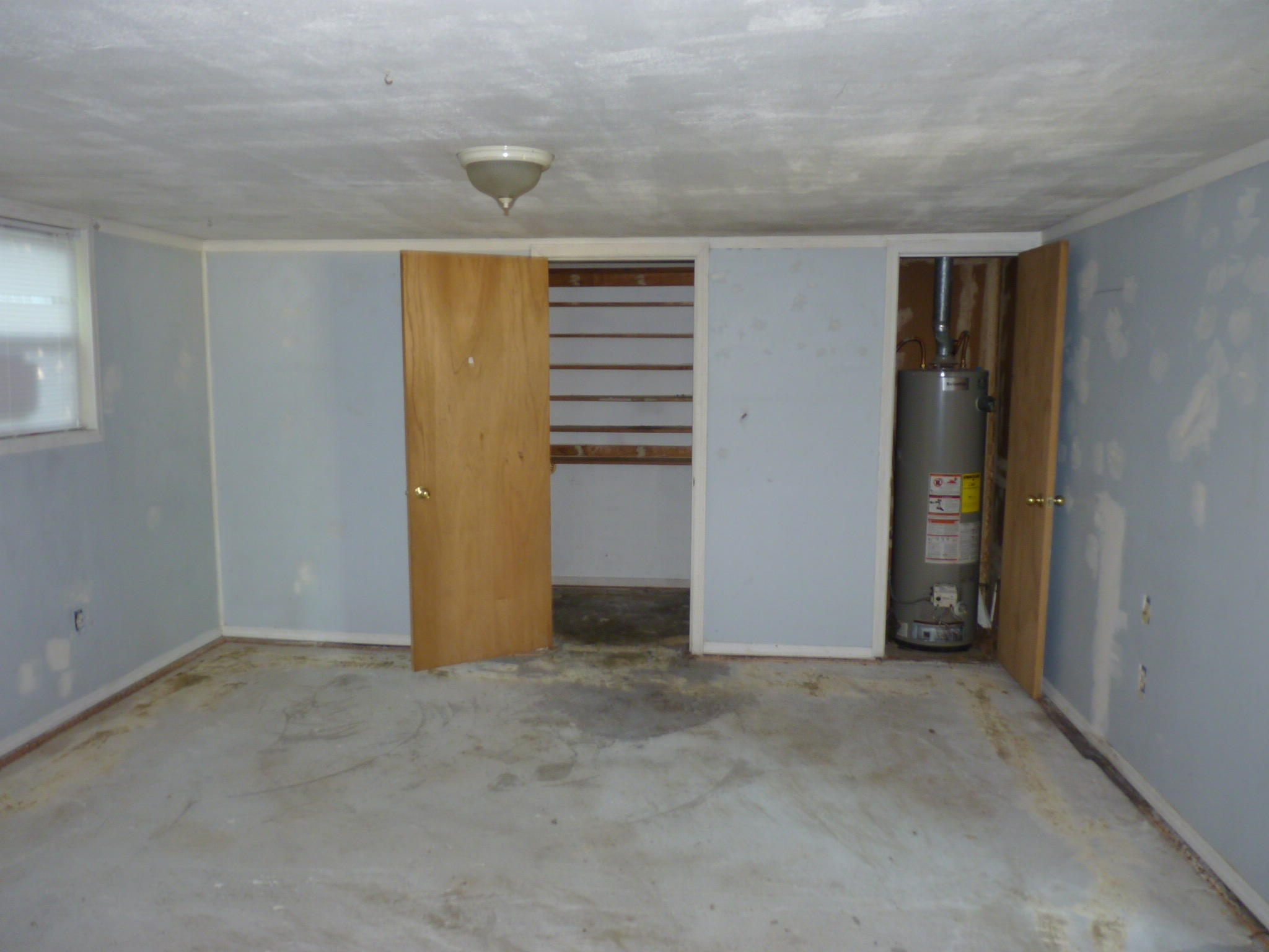 Large photo 8 of home for sale at 905 9th Street, Russellville, AR