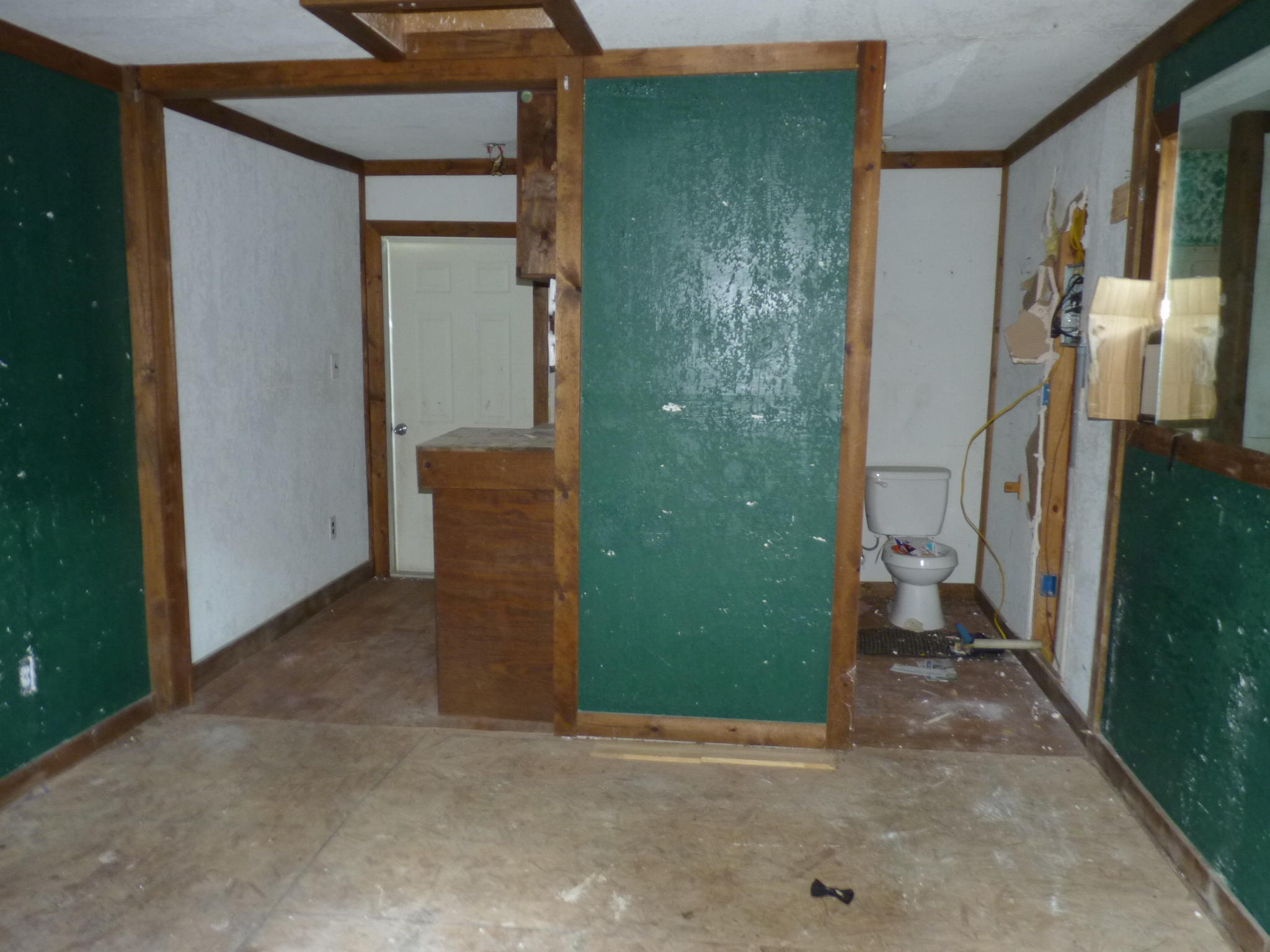 Large photo 15 of home for sale at 905 9th Street, Russellville, AR