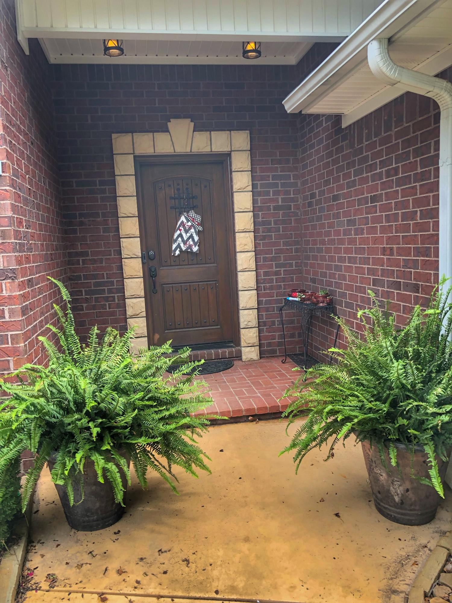 Large photo 4 of home for sale at 2410 8th Street, Russellville, AR