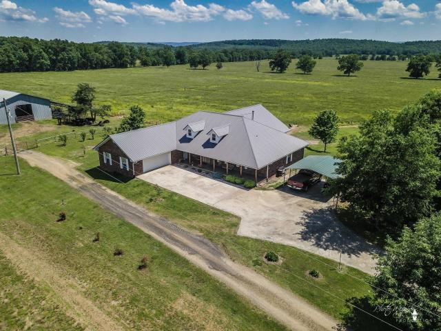 Large photo 4 of home for sale at 13682 Cedar Creek Road, Havana, AR