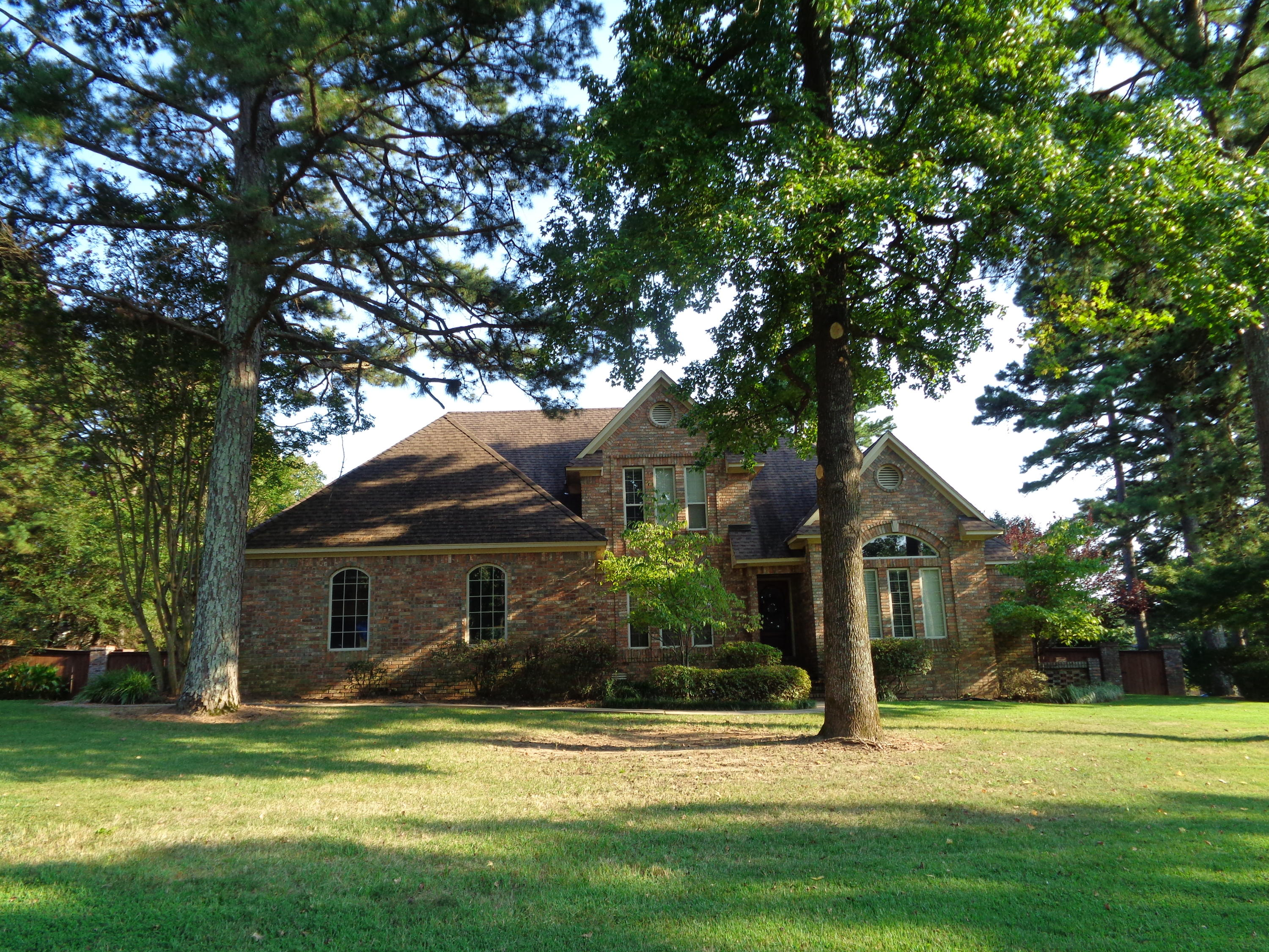 Large photo 3 of home for sale at 3307 Half Moon Lane, Russellville, AR