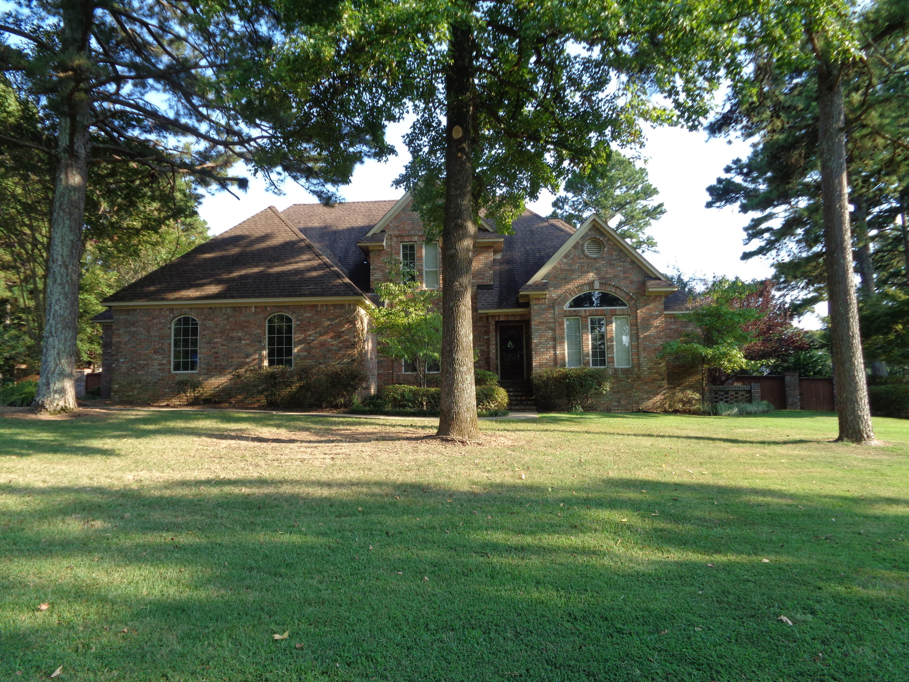 Large photo 4 of home for sale at 3307 Half Moon Lane, Russellville, AR