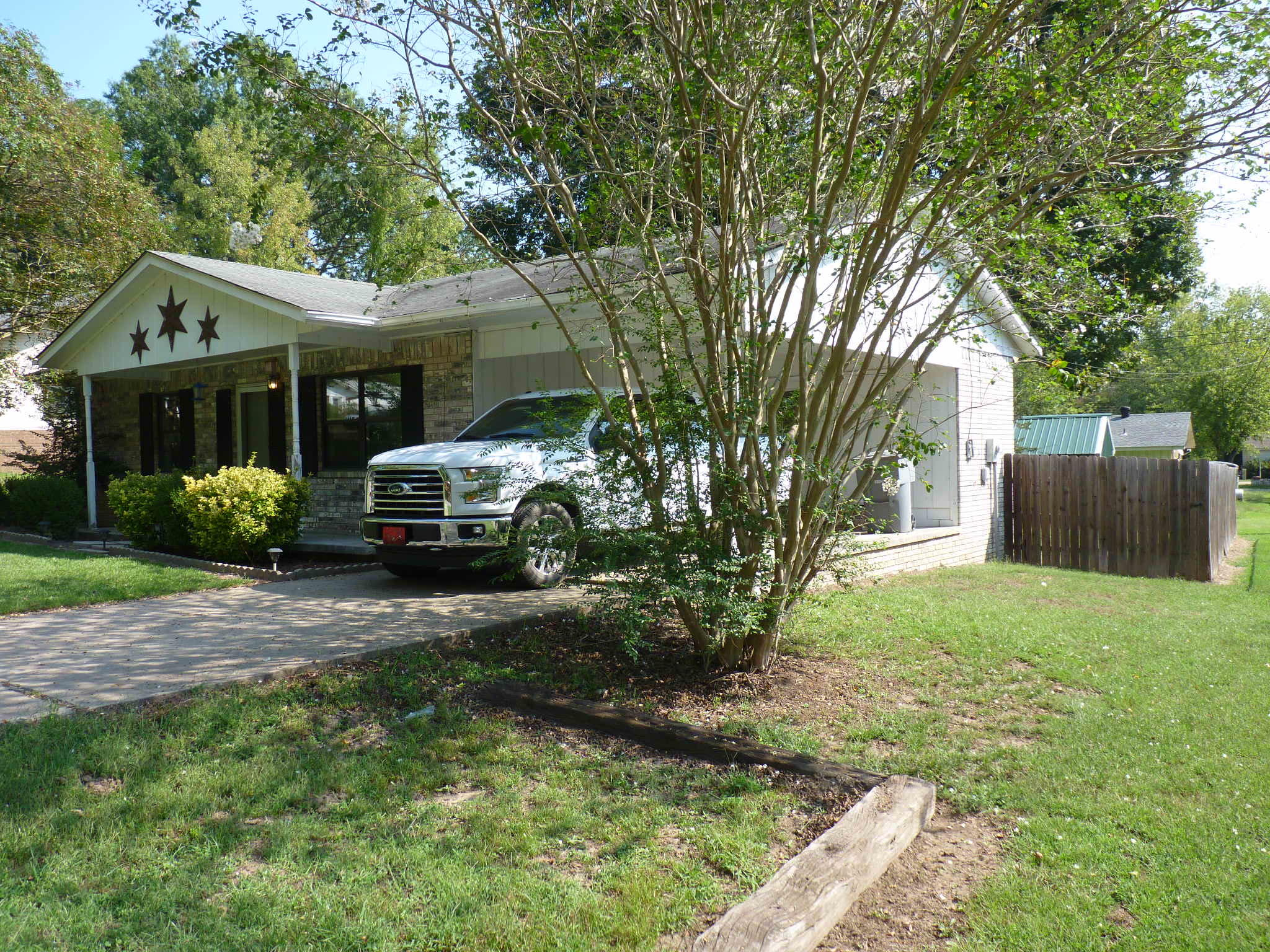 Large photo 3 of home for sale at 1110 6th Street, Dardanelle, AR