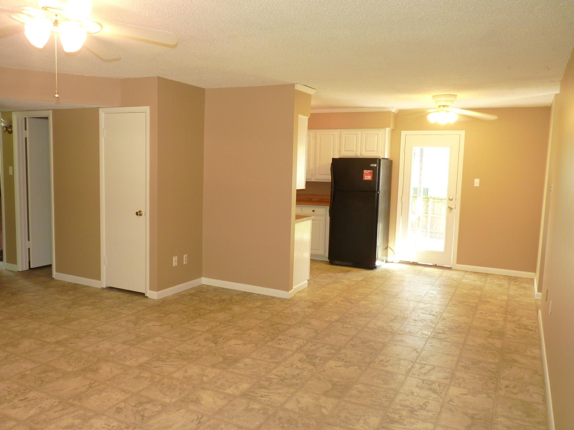 Large photo 8 of home for sale at 1110 6th Street, Dardanelle, AR