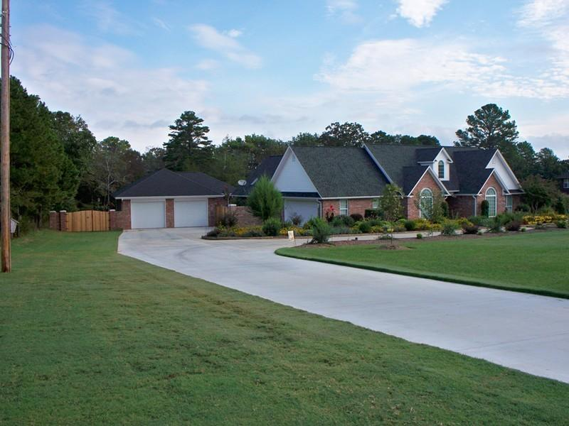 Large photo 1 of home for sale at 692 Bayview Circle, Knoxville, AR