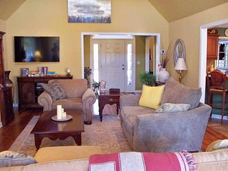 Large photo 6 of home for sale at 692 Bayview Circle, Knoxville, AR