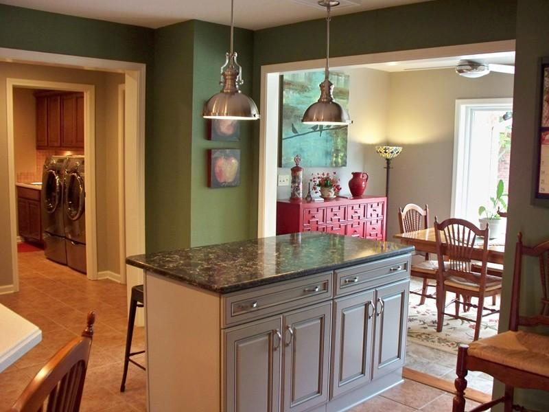 Large photo 9 of home for sale at 692 Bayview Circle, Knoxville, AR