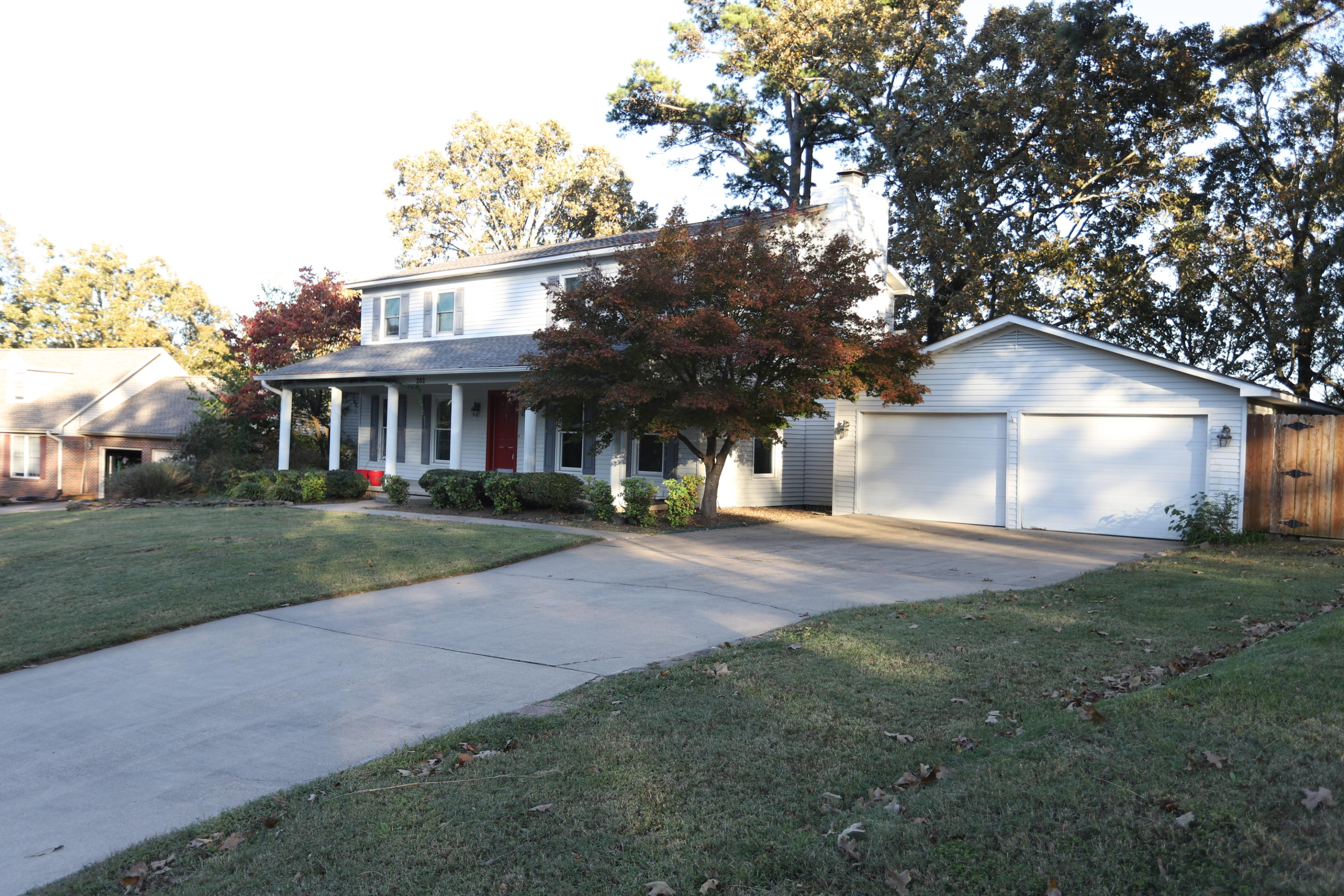 Large photo 1 of home for sale at 202 Canterbury Circle, Russellville, AR