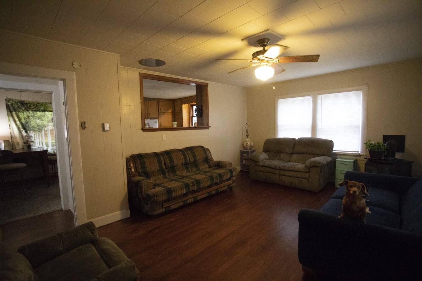 Large photo 8 of home for sale at 1381 Vaughn Circle, Dover, AR