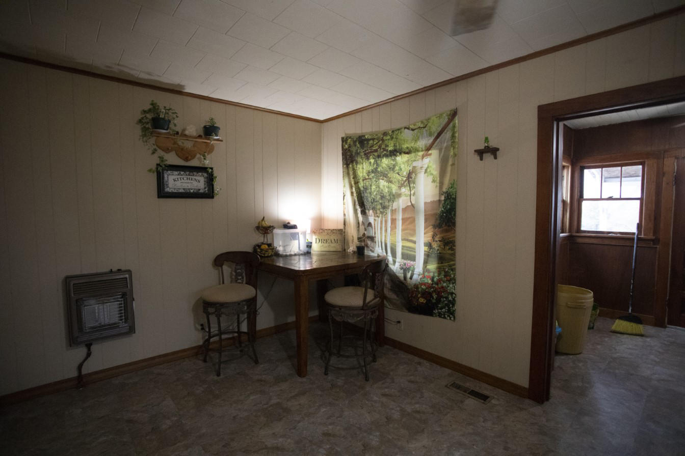 Large photo 9 of home for sale at 1381 Vaughn Circle, Dover, AR