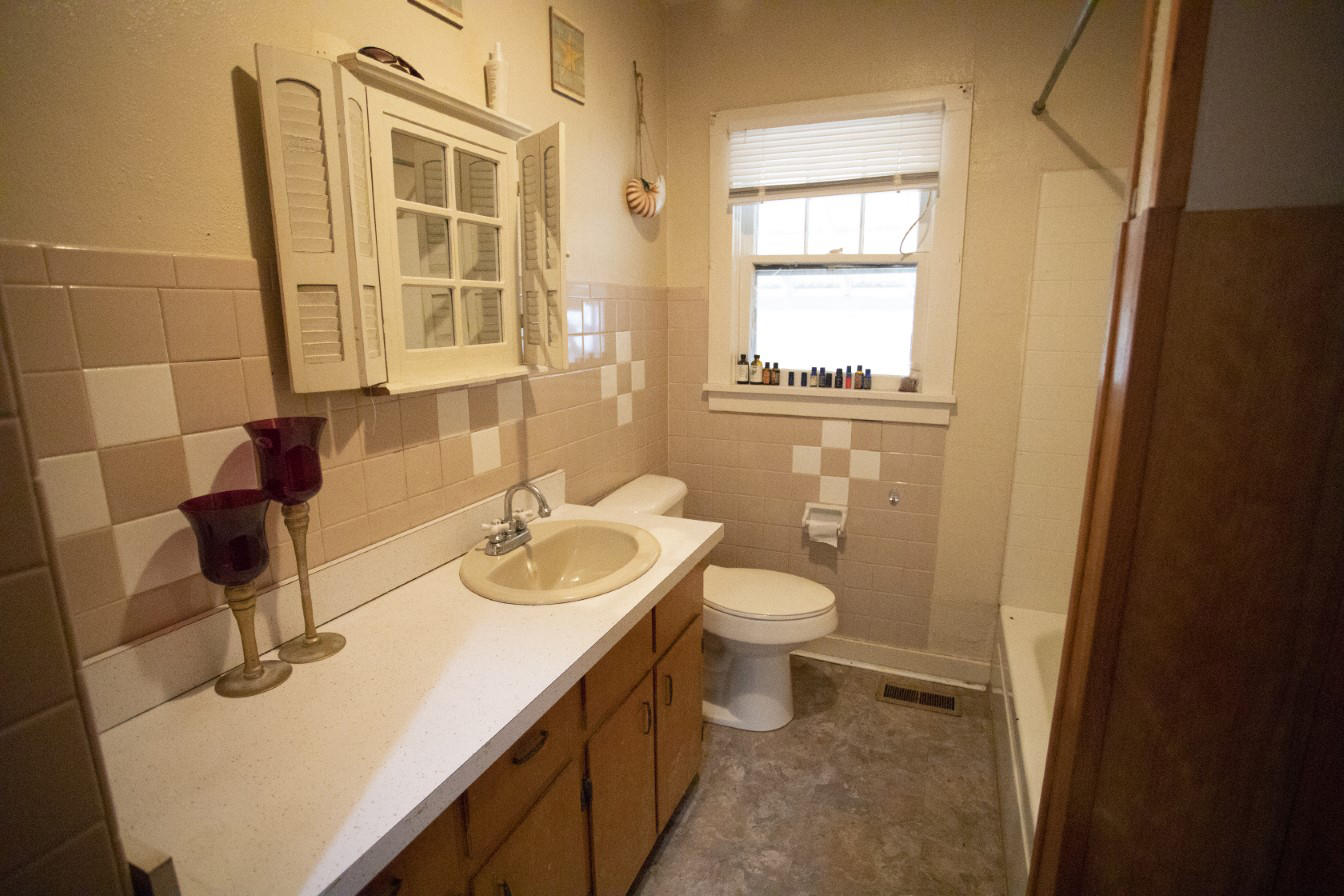 Large photo 19 of home for sale at 1381 Vaughn Circle, Dover, AR