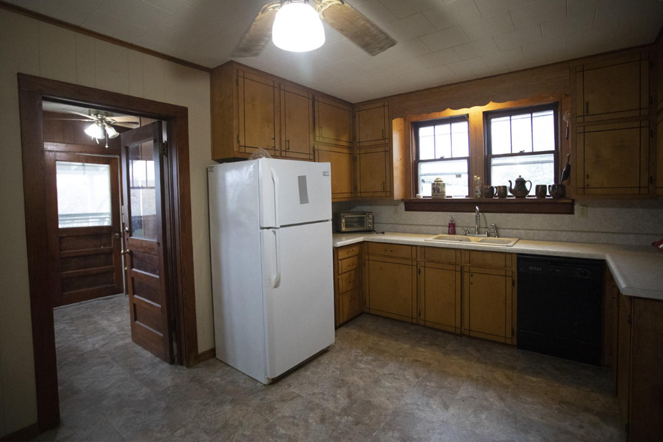 Large photo 11 of home for sale at 1381 Vaughn Circle, Dover, AR