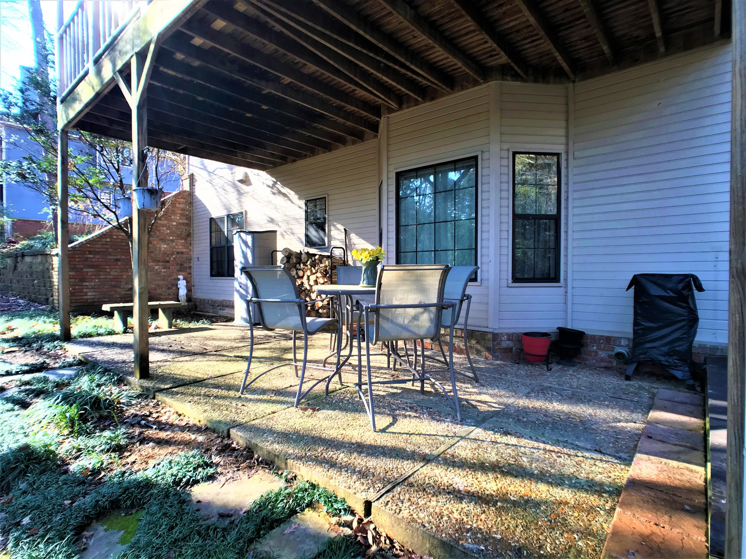 Large photo 37 of home for sale at 1616 Hilltop Drive, Russellville, AR