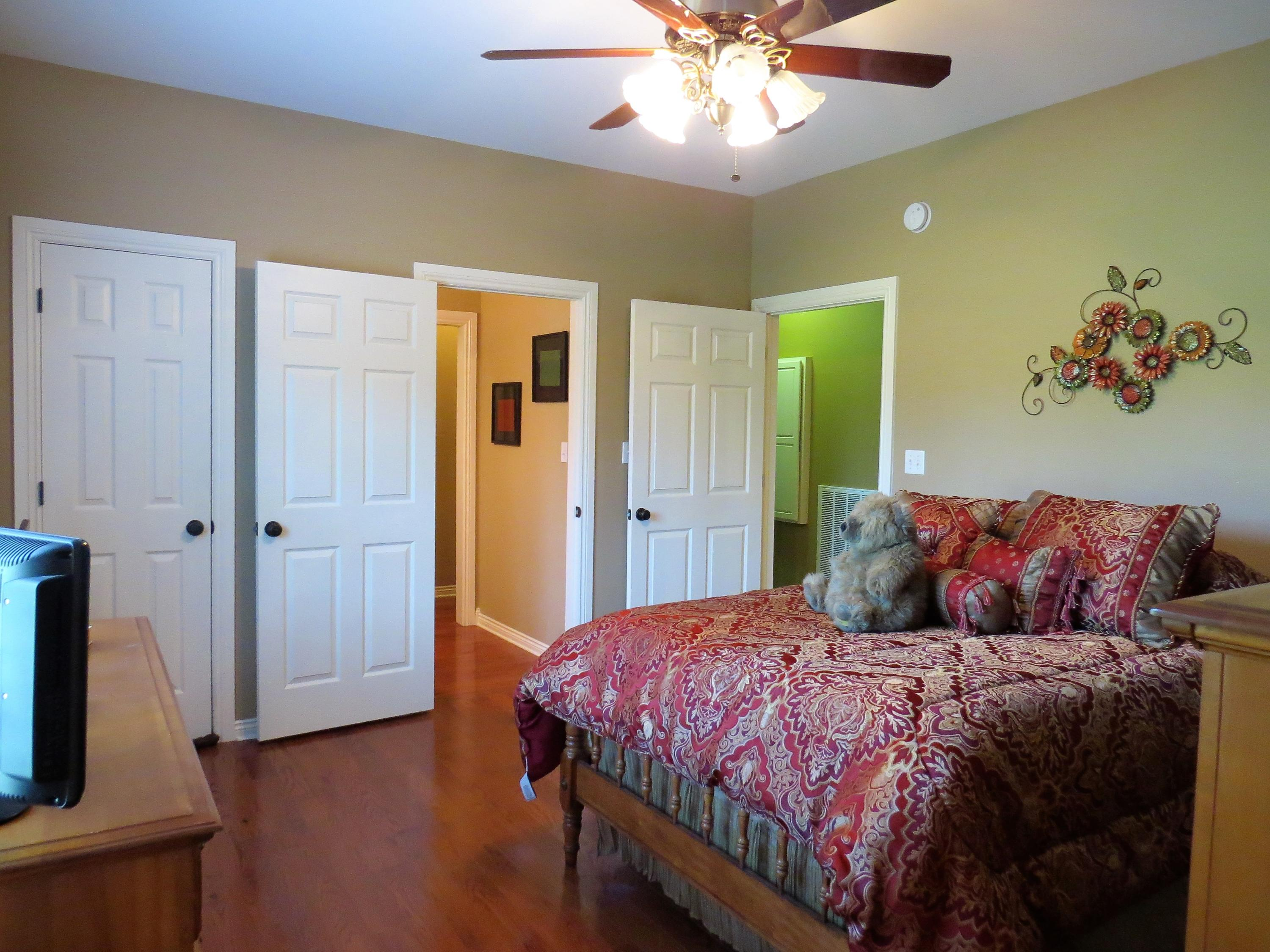 Large photo 19 of home for sale at 1298 Cliff Road, Russellville, AR