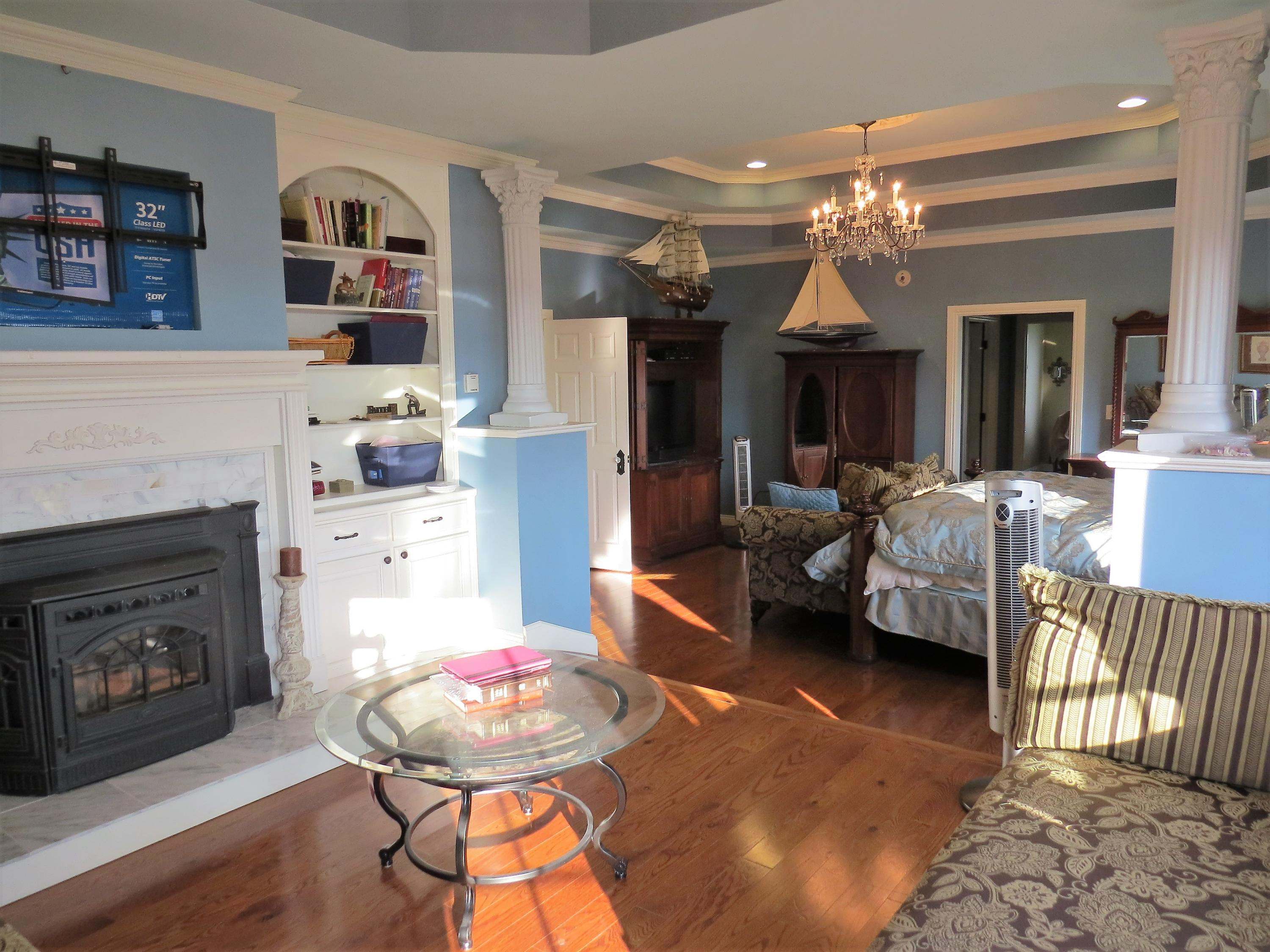 Large photo 21 of home for sale at 1298 Cliff Road, Russellville, AR