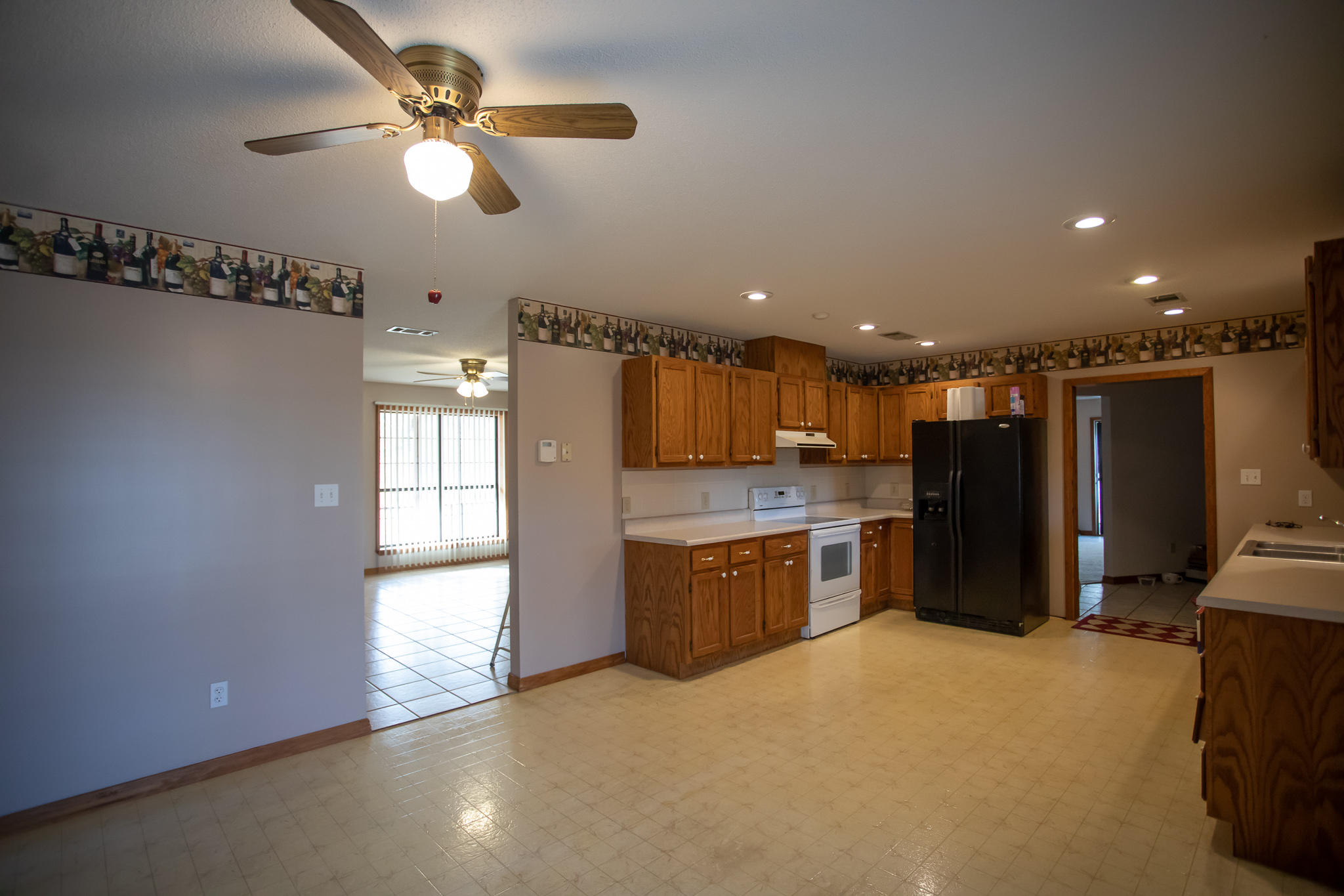 Large photo 5 of home for sale at 894 Sparksford Drive, Russellville, AR