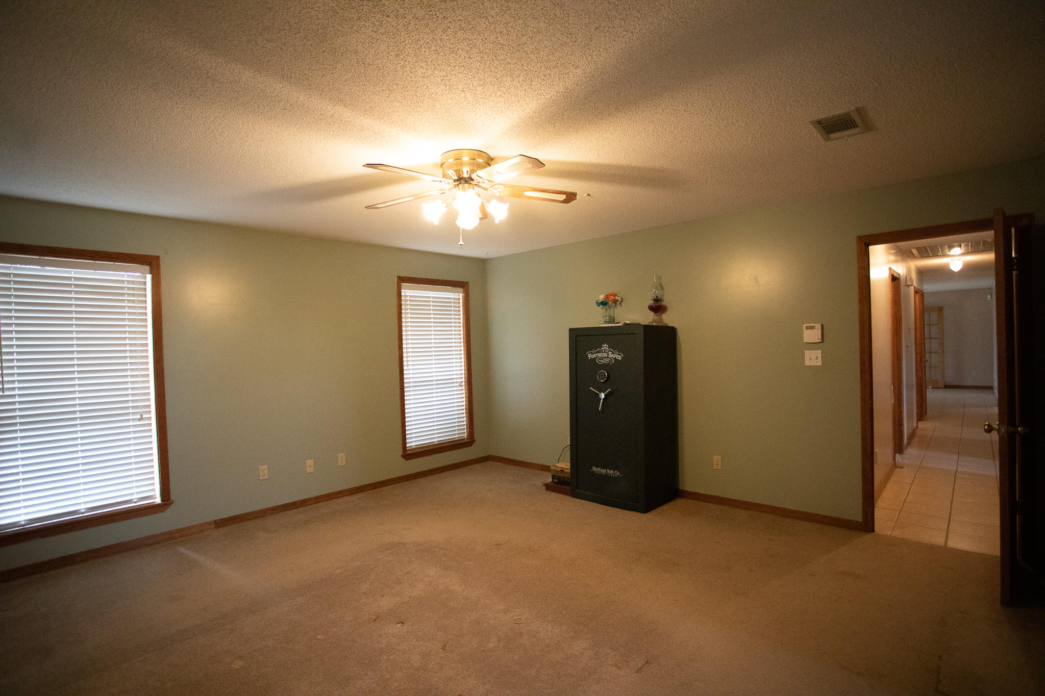 Large photo 32 of home for sale at 894 Sparksford Drive, Russellville, AR