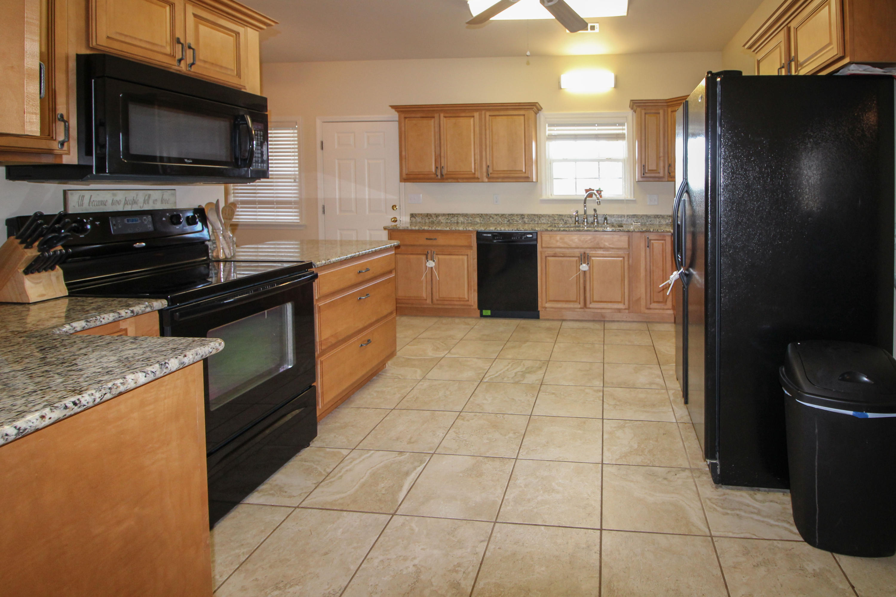 Large photo 9 of home for sale at 915 Singleton Road, Dover, AR