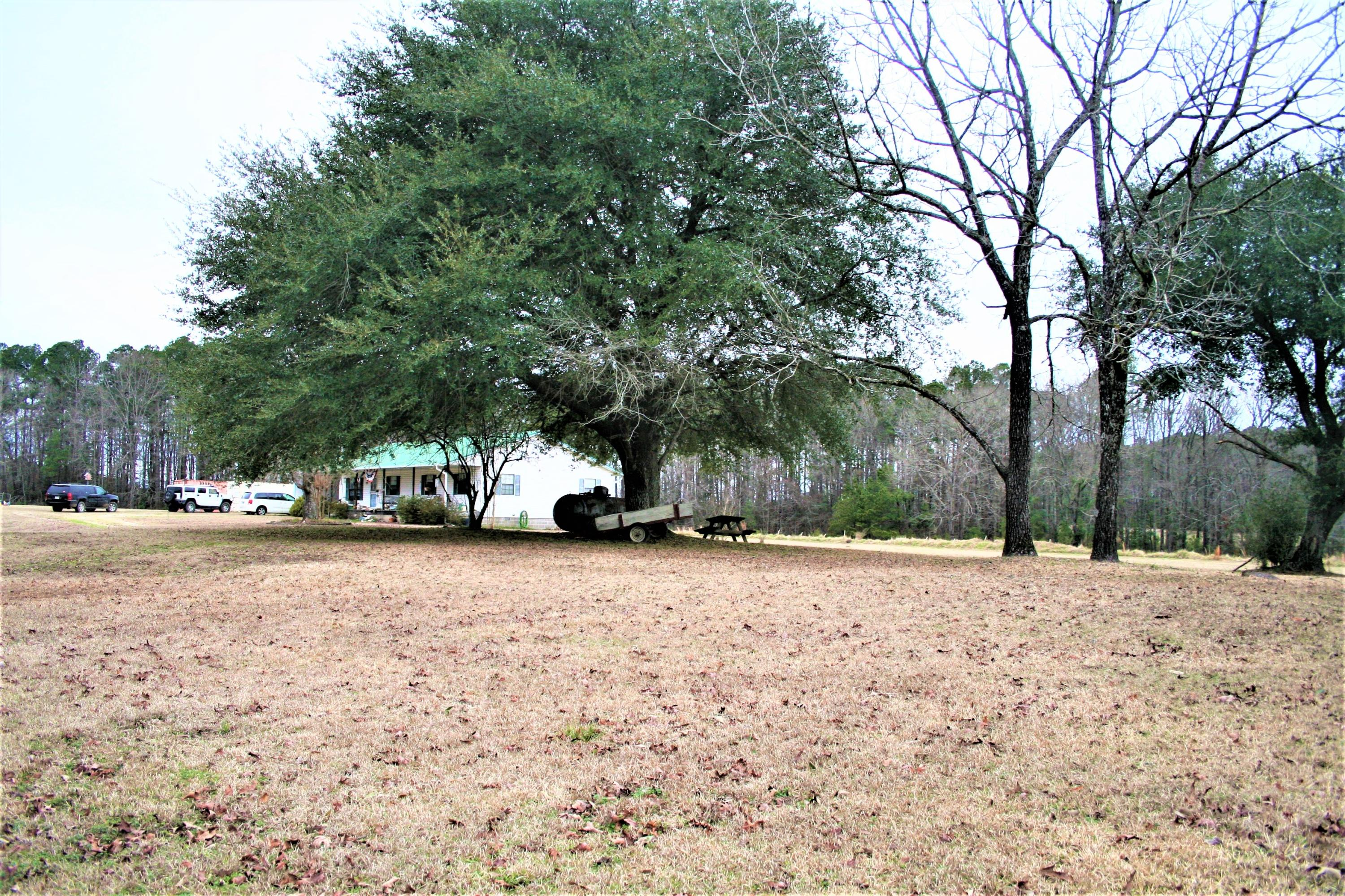 Large photo 4 of home for sale at 2888 Hendrix Road, Malvern, AR
