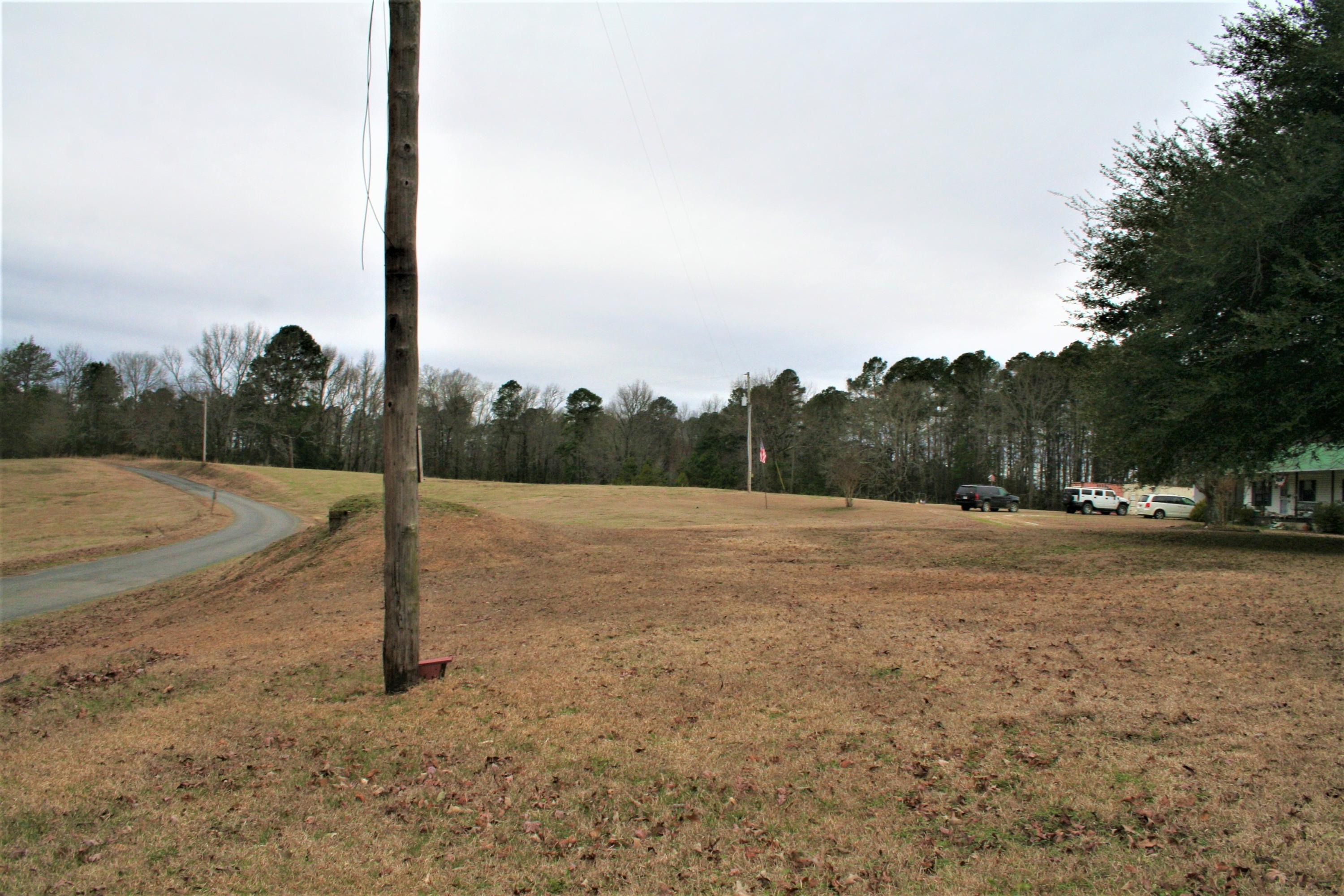 Large photo 5 of home for sale at 2888 Hendrix Road, Malvern, AR