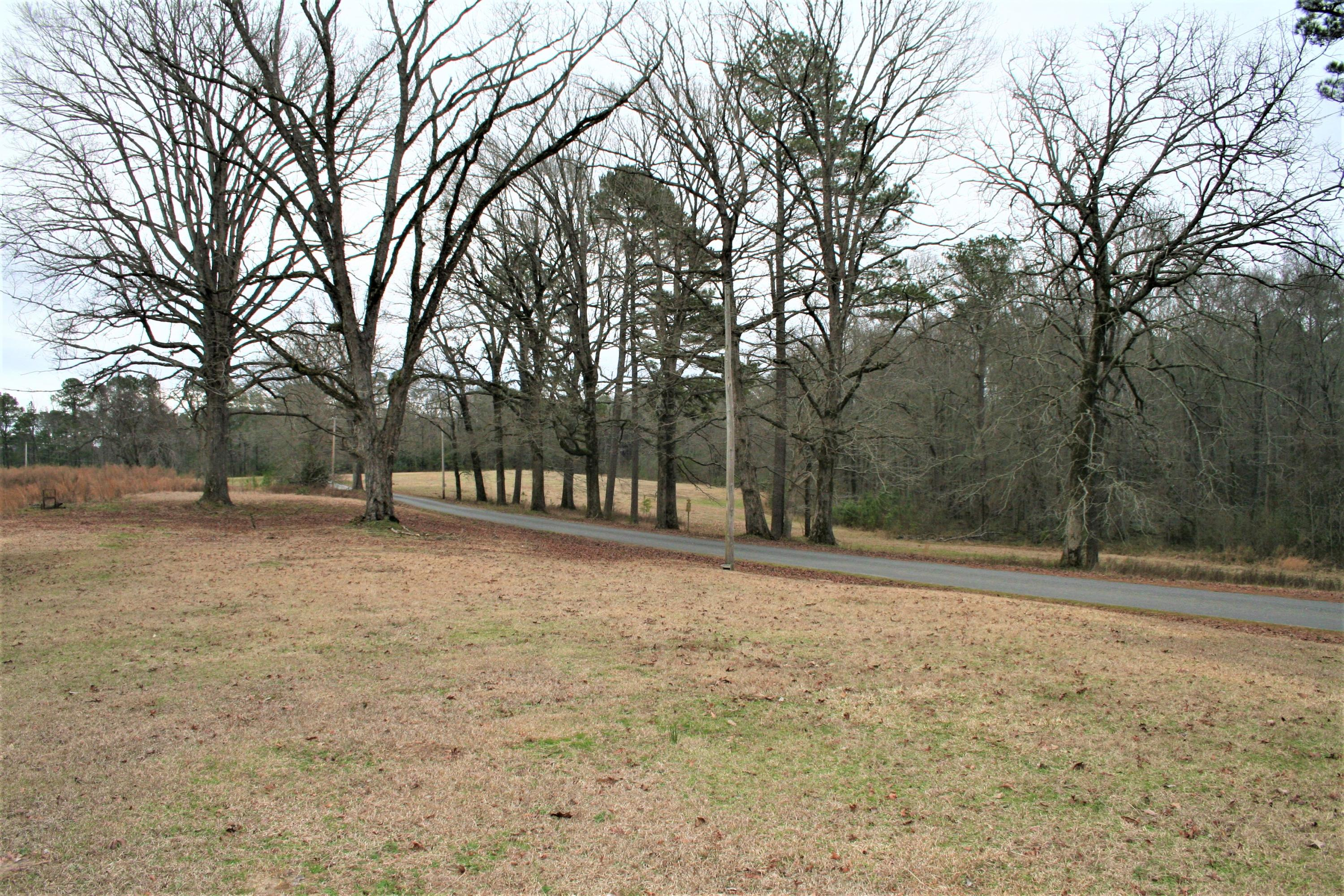 Large photo 9 of home for sale at 2888 Hendrix Road, Malvern, AR