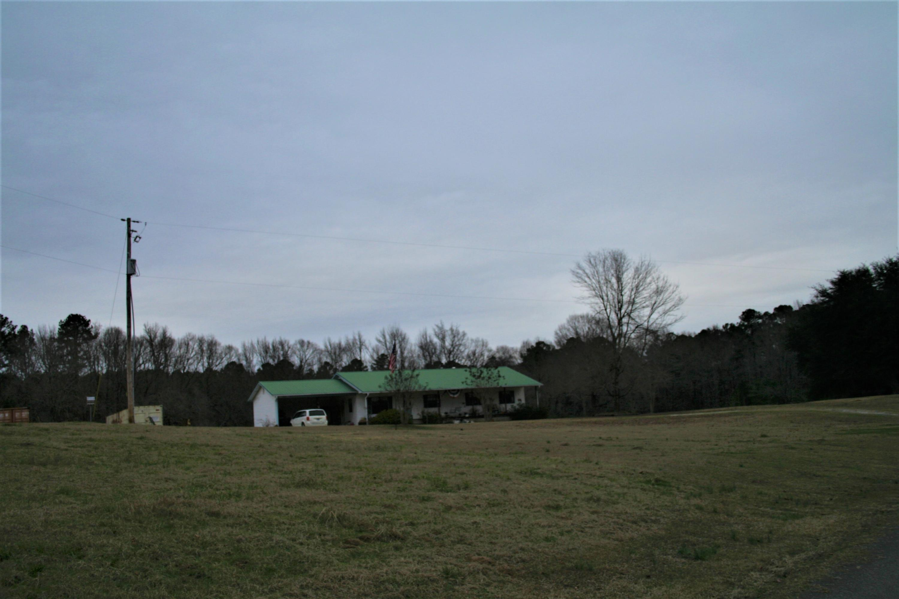 Large photo 13 of home for sale at 2888 Hendrix Road, Malvern, AR