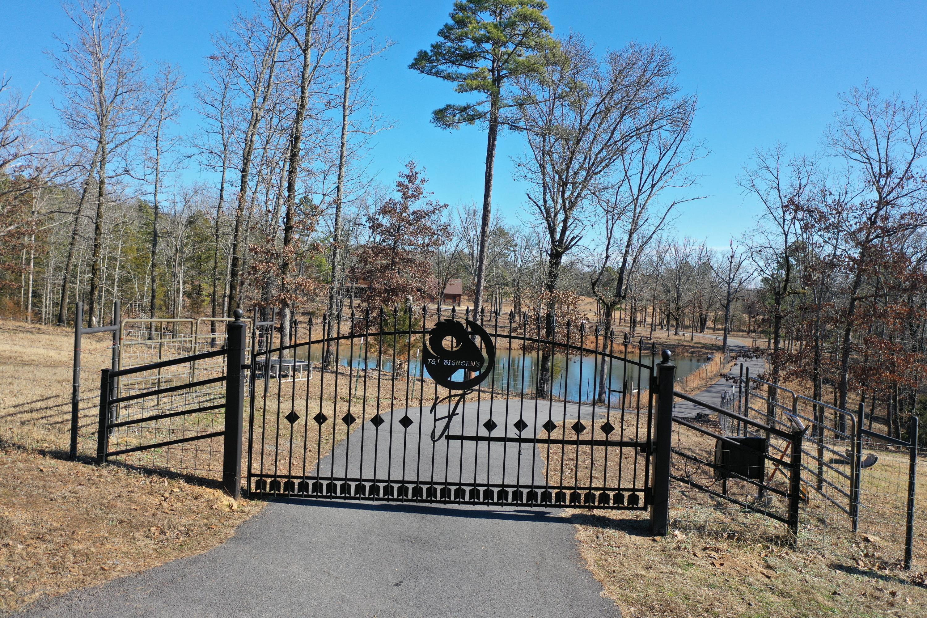 Large photo 63 of home for sale at 415 Jackson Road Road, Damascus, AR