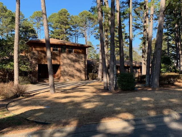 Large photo 1 of home for sale at 6 Pinecrest Drive, Russellville, AR