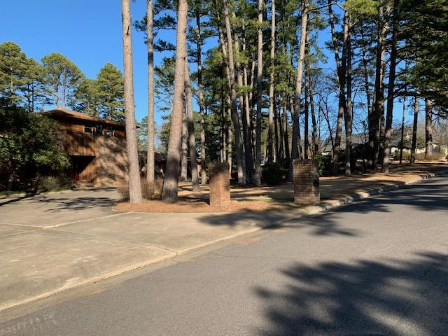 Large photo 4 of home for sale at 6 Pinecrest Drive, Russellville, AR