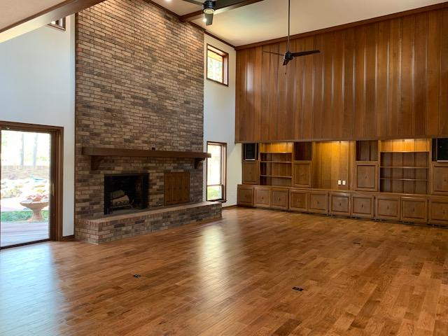 Large photo 11 of home for sale at 6 Pinecrest Drive, Russellville, AR