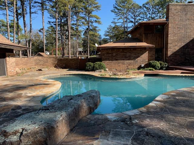 Large photo 86 of home for sale at 6 Pinecrest Drive, Russellville, AR