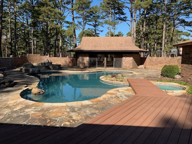 Large photo 84 of home for sale at 6 Pinecrest Drive, Russellville, AR