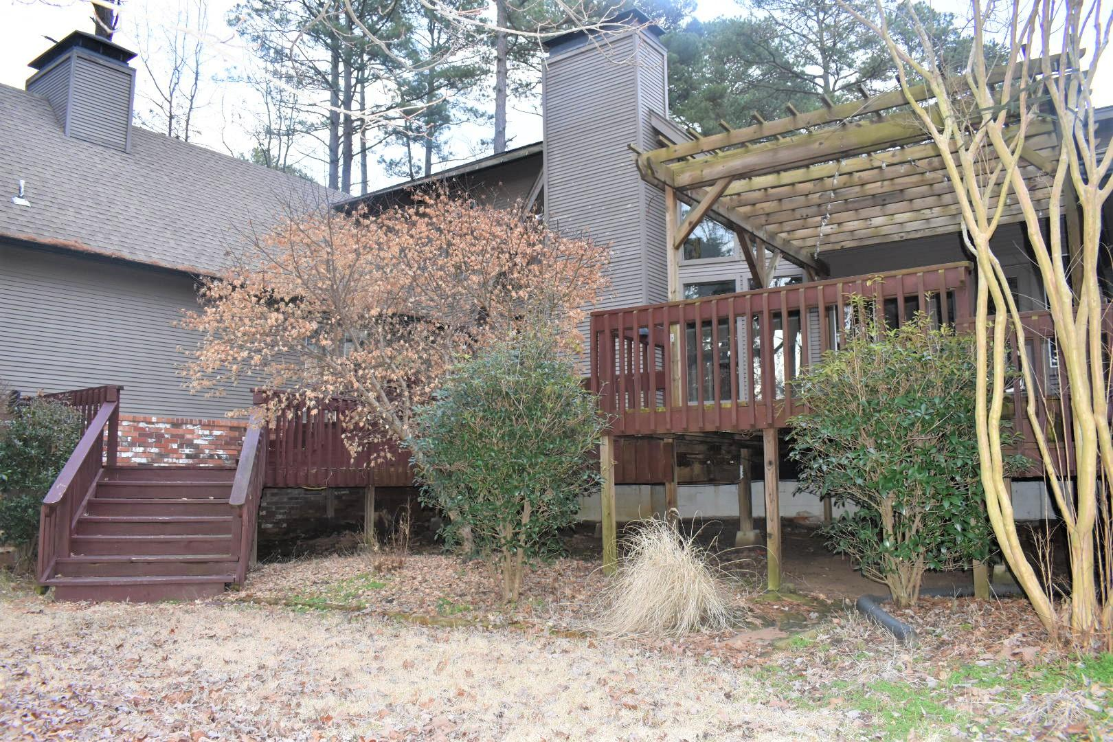Large photo 8 of home for sale at 1414 Lands End N , Russellville, AR