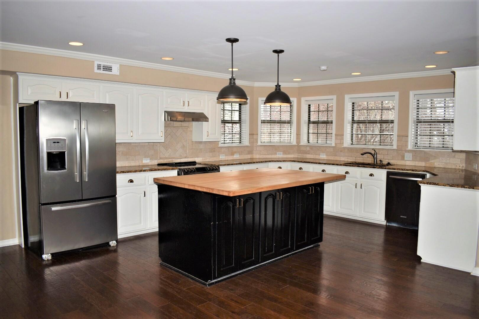 Large photo 10 of home for sale at 1414 Lands End N , Russellville, AR