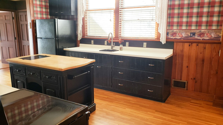 Large photo 13 of Ozark home for sale at 601 River Street, Ozark, AR